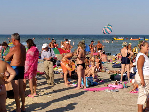 Отдых на Азовском море на Арабатской стрелке в Геническе 2014, Генический детский пляж, детский отдых на море