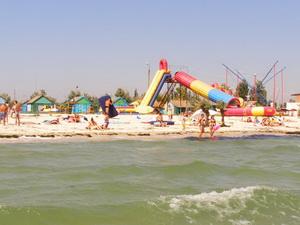 Дикий пляж на Арабатской стрелке.